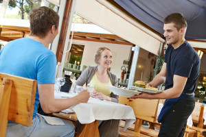 The benefits of a serious, service-focused restaurant server team